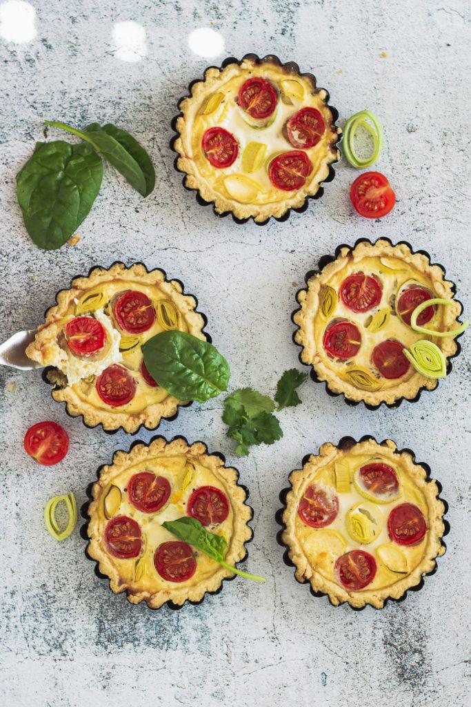 recept-qiuche-slany-kolac-s-paradajkami-cherry-porom