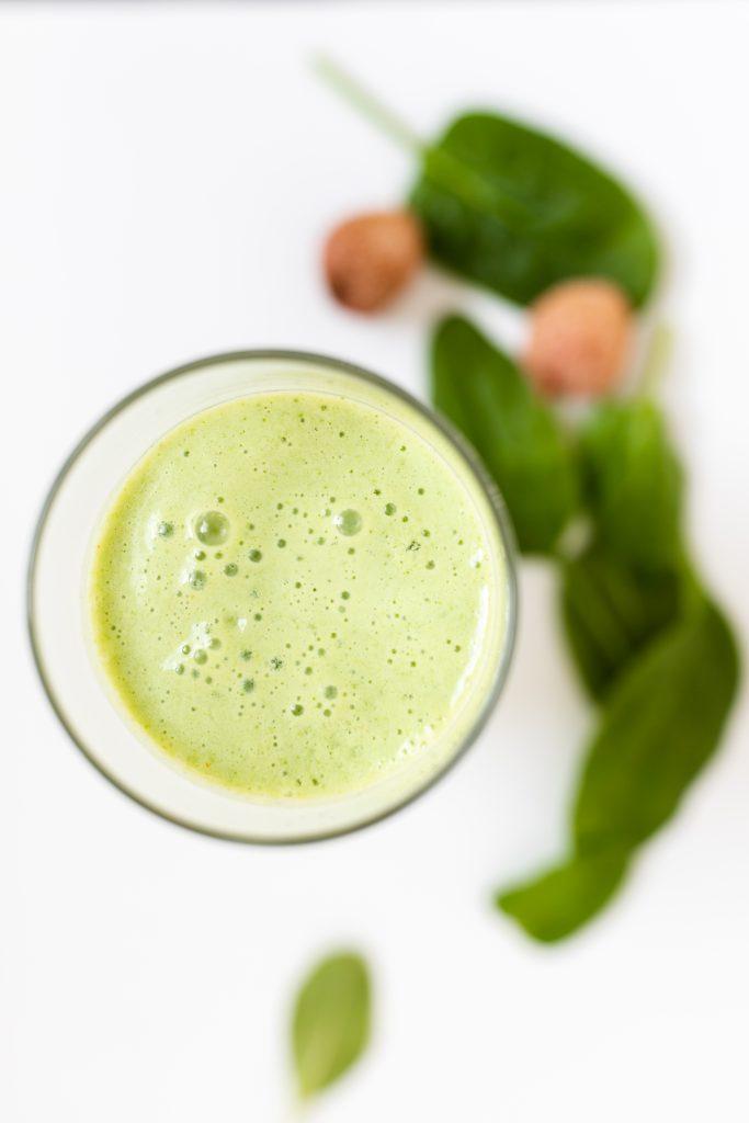 zelene-bazalkove-smoothie