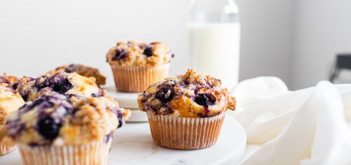 cucoriedkove-muffiny-ovocne-so-skoricovou-mrvenicou
