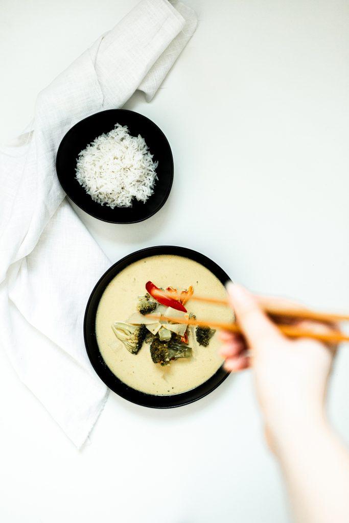 kari-polievka-so-zeleninou-vhodna-pre-vegetarianov
