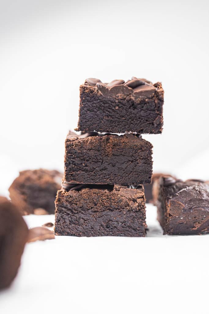 jednoduché-brownies-dvojitá-čokoláda-recept
