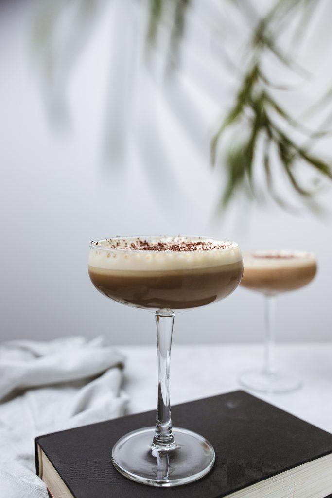 domáca-vegan-ľadová-káva-s-likérom