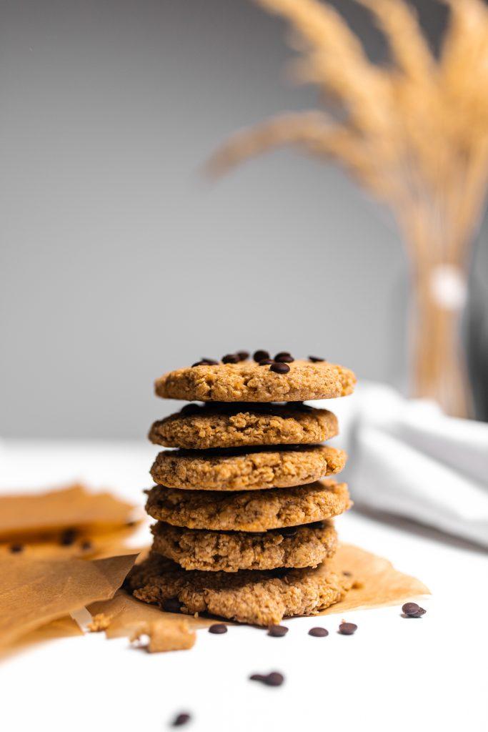 jednoduche-vegan-arašidové-sušienky-z-arašidového-masla-a-ovsených-vločiek