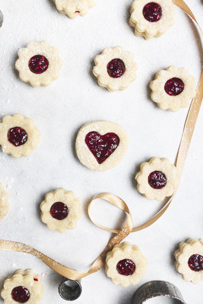 vegan-linecké-koláčiky-s-džemom-vianočné-recepty