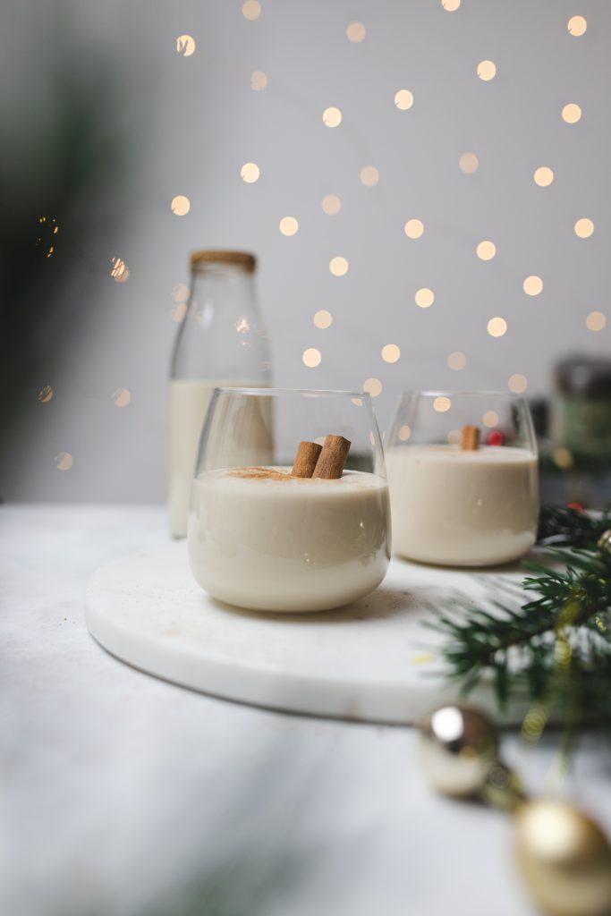 domáci-vegánsky-vianočný-likér-bez-vajec-salka